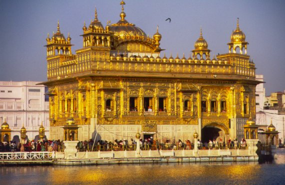 sikhism_holy_golden_temple.jpg